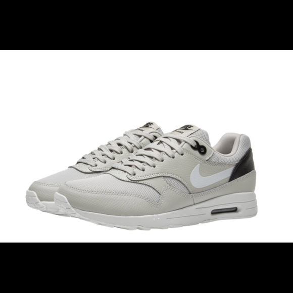 new style 26691 c32b2 Women s Nike Air Max 1 Ultra 2.0 Running Shoes 🔥